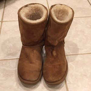 My sweet warm UGG brown boots size 8